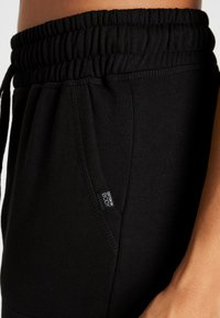 Cotton On Body - GYM TRACKPANT - Tracksuit bottoms - black - 4