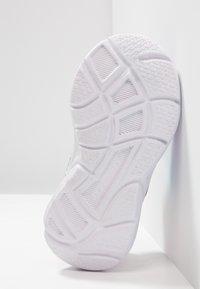 Skechers - WAVY LITES - Tenisky - multicolor/hot pink - 4