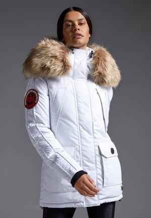 MOUNTAIN BIG BADGE - Down jacket - off white