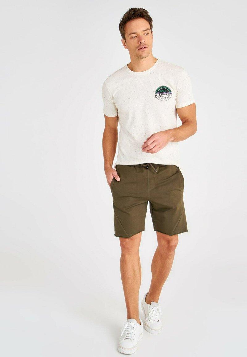 Trendyol - Shorts - green