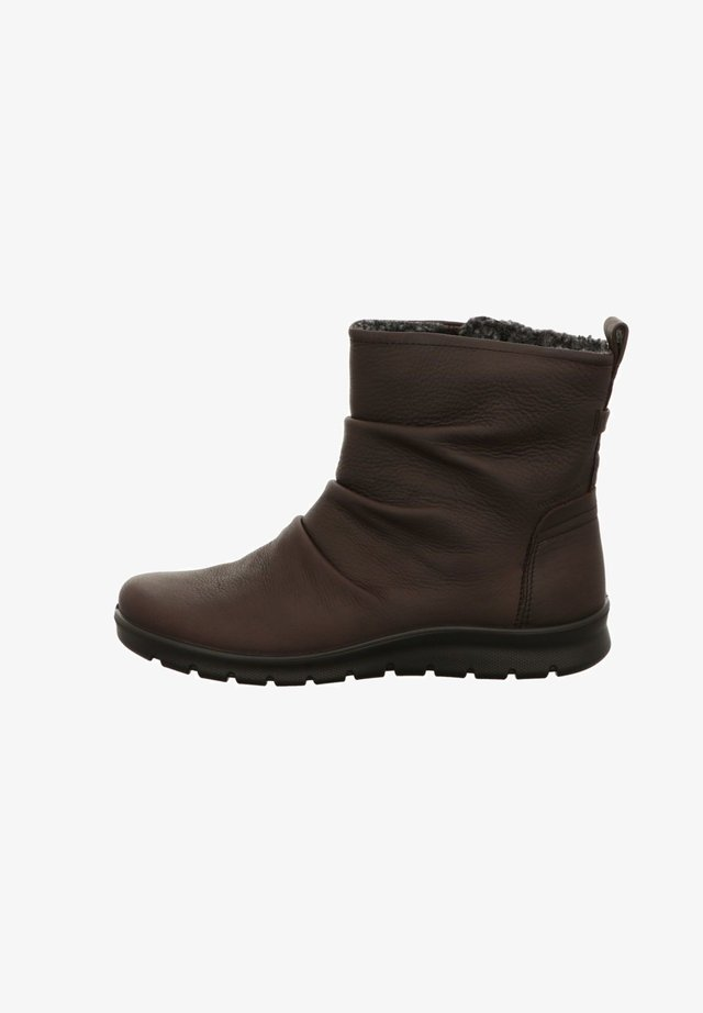 Winter boots - coffee