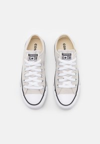 Converse - CHUCK TAYLOR ALL STAR UNISEX - Sneakersy niskie - pale putty - 3
