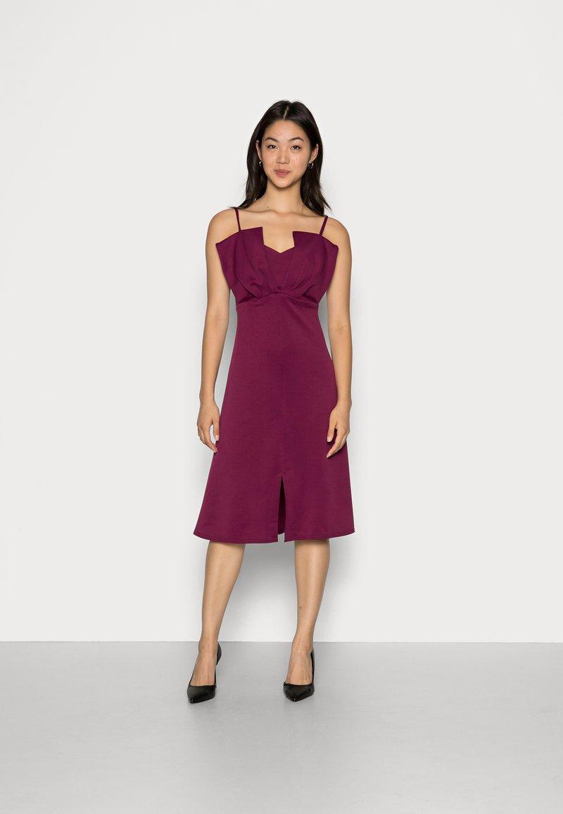 Closet - CLOSET RUFFLE BODICE - Cocktail dress / Party dress - plum