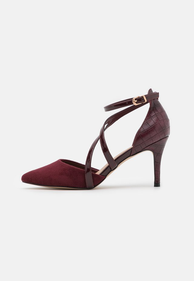 CARRIE - Tacones - mulberry