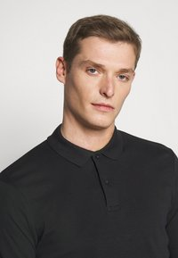 Selected Homme - SLHPARIS  - Polo shirt - black - 4