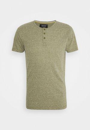 ESTEPONA - Basic T-shirt - army