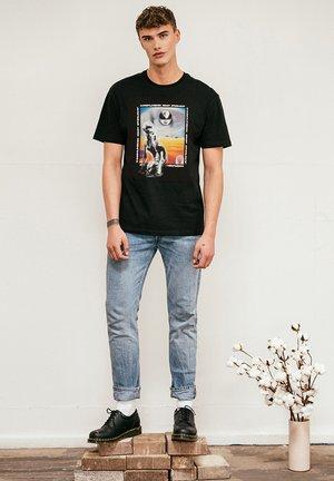 ARTIFICIAL - Print T-shirt - black