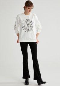 DeFacto - Sweatshirt - ecru - 1