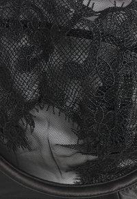 Playful Promises - ANNELIESE BRA - Underwired bra - black - 2