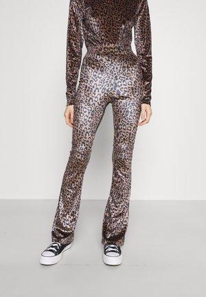 JOLIE LEOPARD PANTS - Trousers - medium brown