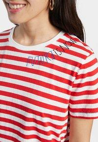 Desigual - Print T-shirt - red - 3