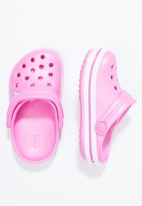 Crocs - CROCBAND RELAXED FIT - Pool slides - party pink - 1