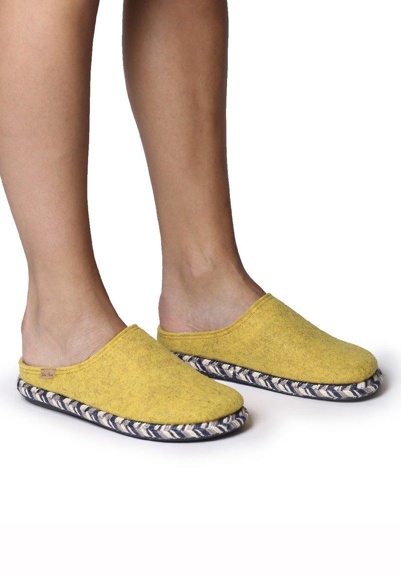 Toni Pons - MIRI-FP - Slippers - groc
