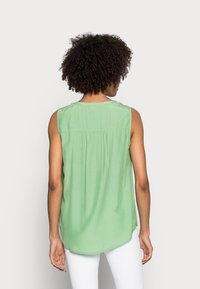 Esprit - BLOUSE - Top - leaf green - 2