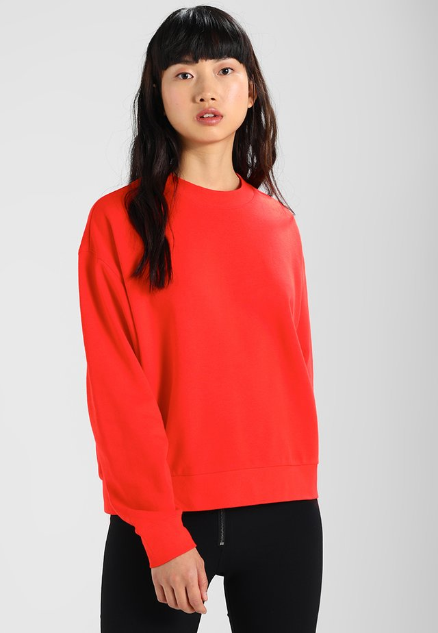 HUGE CROPPED - Felpa - red