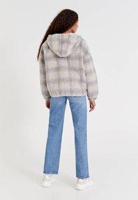 PULL&BEAR - Light jacket - sand - 2