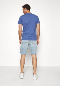 GAP - Denim shorts - light-blue denim - 2