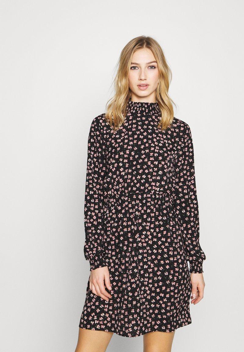 Pieces - PCDALLAH DRESS - Shirt dress - black / light pink