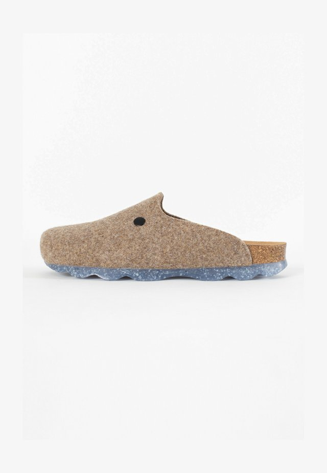 MALAKI  - Clogs - light brown