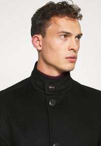 Tommy Hilfiger Tailored - SOLID STAND UP COLLAR COAT - Manteau classique - black - 3