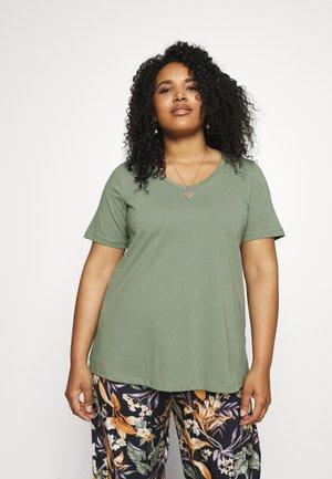 PLUS - Basic T-shirt - agave green