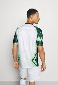 Nike Performance - NFF NIGERIA NIGERIA HOME - Landslagströjor - white/black - 2