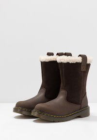 Dr. Martens - JUNEY JUNIOR - Winter boots - dark brown - 3