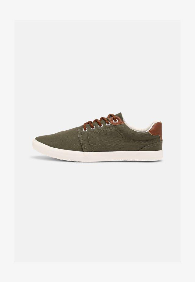 UNISEX - Sneakers laag - olive