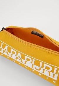 Napapijri - HAPPY - Pencil case - mango yellow - 4