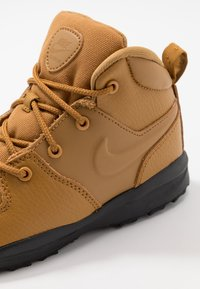 Nike Sportswear - MANOA '17 - High-top trainers - wheat/black - 2