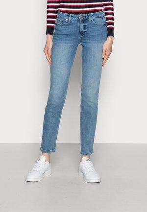 SOFT ROME STRAIGHT - Jeans a sigaretta - denim