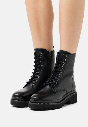 CERANDRA - Veterboots - black