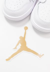 Jordan - 1 LOW ALT - Basketball shoes - white - 6