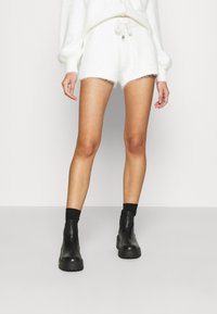 River Island - Shorts - cream/ivory - 0