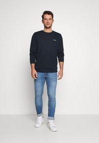 Burton Menswear London - Jeans slim fit - bright blue - 1