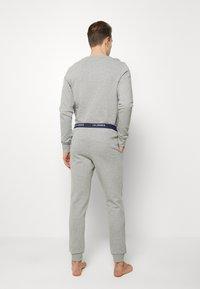 Jack & Jones - JACLOUNGE SET - Pyjamas - light grey melange - 4