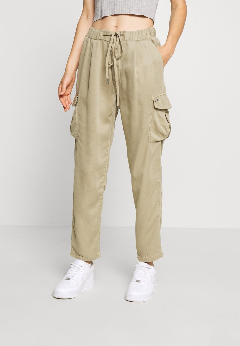Pepe Jeans - JYNX - Cargo trousers - thyme