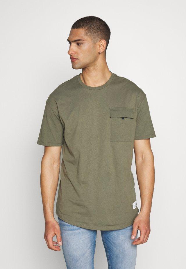 JCOHACKER TEE CREW NECK - T-Shirt basic - dusty olive