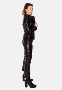 LEATHER HYPE - ÉLYSÉE PERFECTO - Leather jacket - black - 5