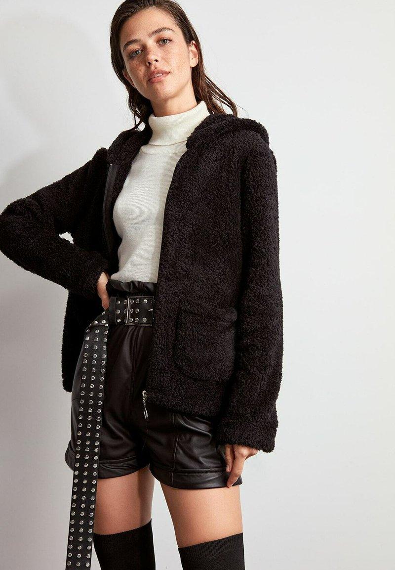 Trendyol - Winter jacket - black