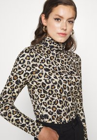 Pieces - PCNALA TURTLE NECK - Long sleeved top - natural - 3