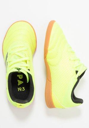 COPA 19.3 IN SALA  - Indoor football boots - solar yellow/core black