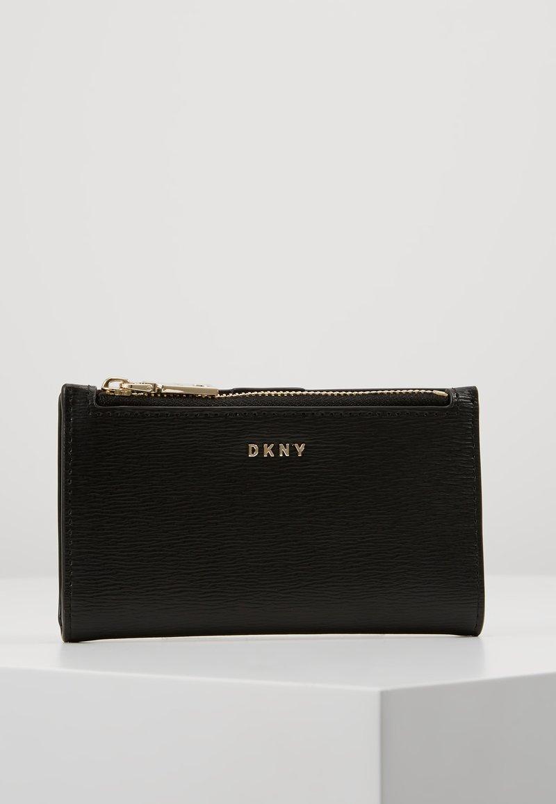 DKNY - BRYANT BIFOLD CARD HOLDER SUTTON - Punge - black
