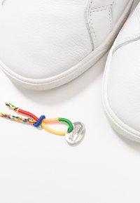 Genesis - G-HELÀ TUMBLED - Sneakers basse - white/offwhite - 5