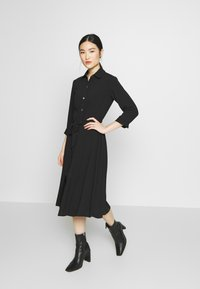 Dorothy Perkins - PLAIN  - Denní šaty - black - 1