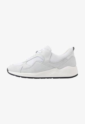 BIADAKOTA - Sneakers laag - white