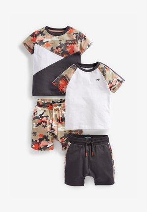 2 PACK SET - Shorts - light brown, black, white