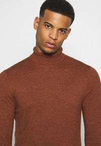 Burton Menswear London - FINE GAUGE ROLL  - Pullover - ginger - 3