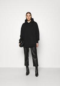 ARKET - Jersey con capucha - black - 1