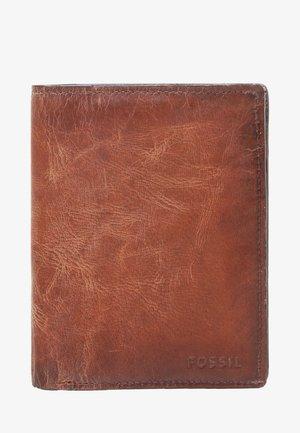 DERRICK - Wallet - brown